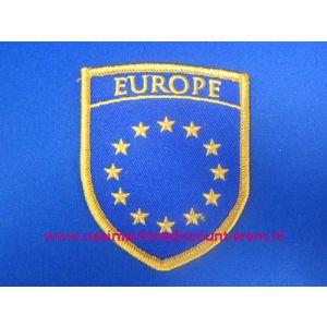 Europe met Gouden Sterren op Schild - 2851